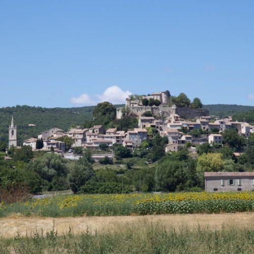 Village, Mane